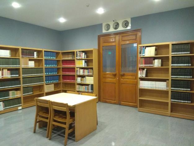 文化資產圖書室-8人座