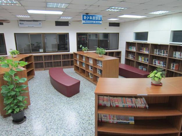 線西鄉立圖書館-3樓青少年閱讀區