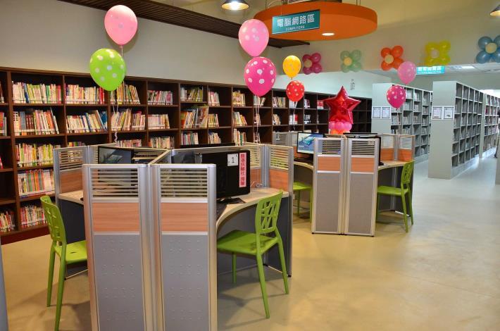 福興鄉立圖書館電腦網路區
