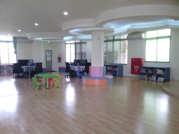 大村鄉立圖書館1樓兒童閱讀區