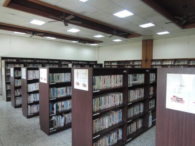 二林圖書館書庫