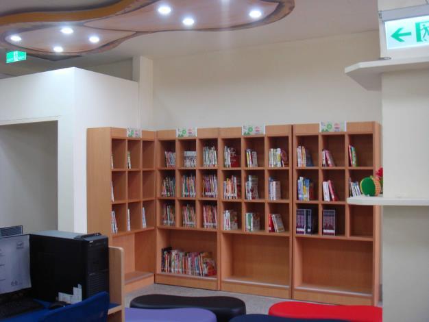 大城鄉立圖書館主題書展區