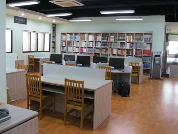 竹塘鄉立圖書館資訊檢索區